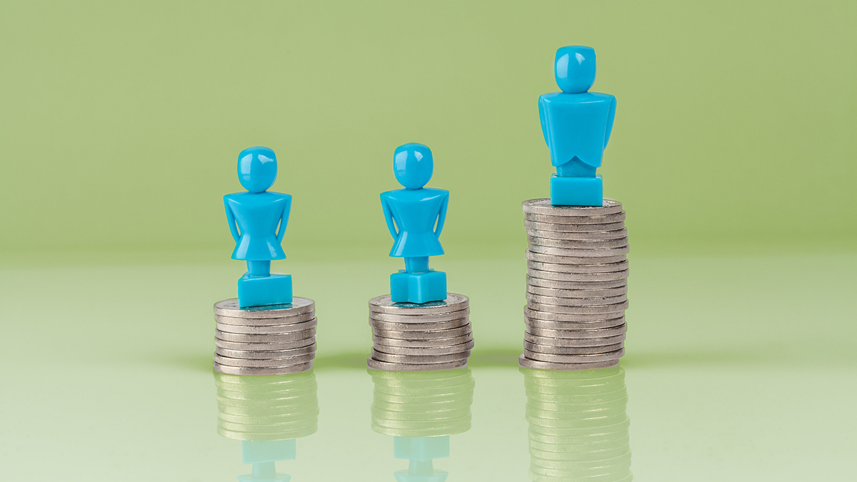 Gender pay gap (Greg Brave/Shutterstock.com)