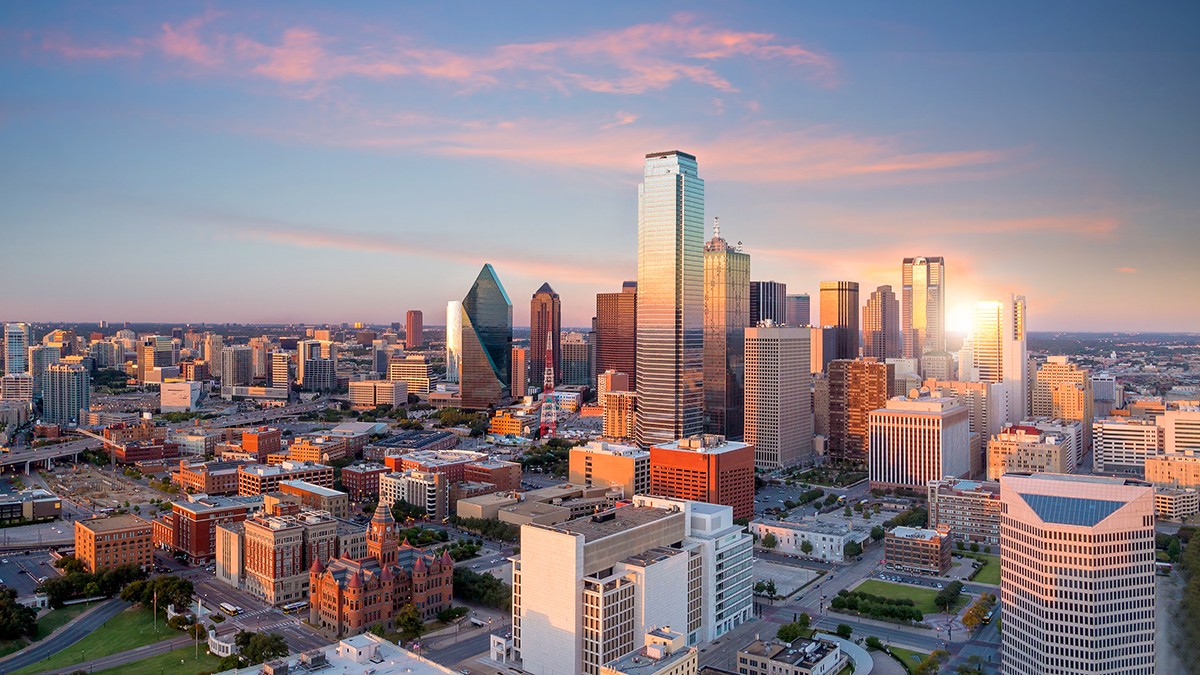 Dallas, TX (f11photo/Shutterstock.com)