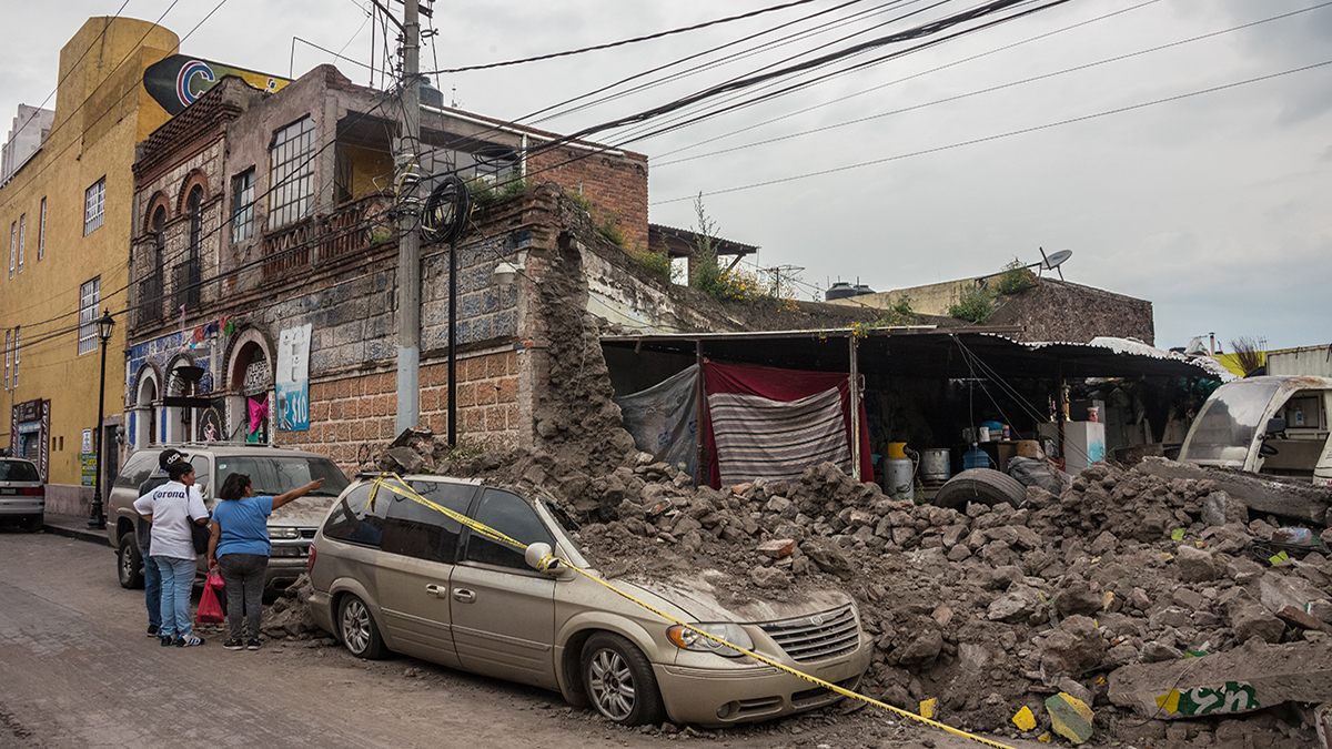 Mexico City earthquake (2017) (Brina L Bunt/Shutterstock.com)