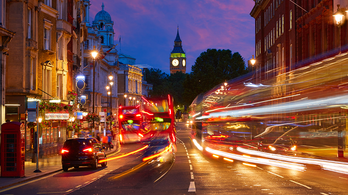 London traffic night (holbox/Shutterstock.com)