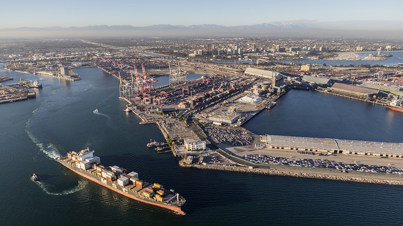 Port of Long Beach, California (trekandshoot/Shutterstock.com)